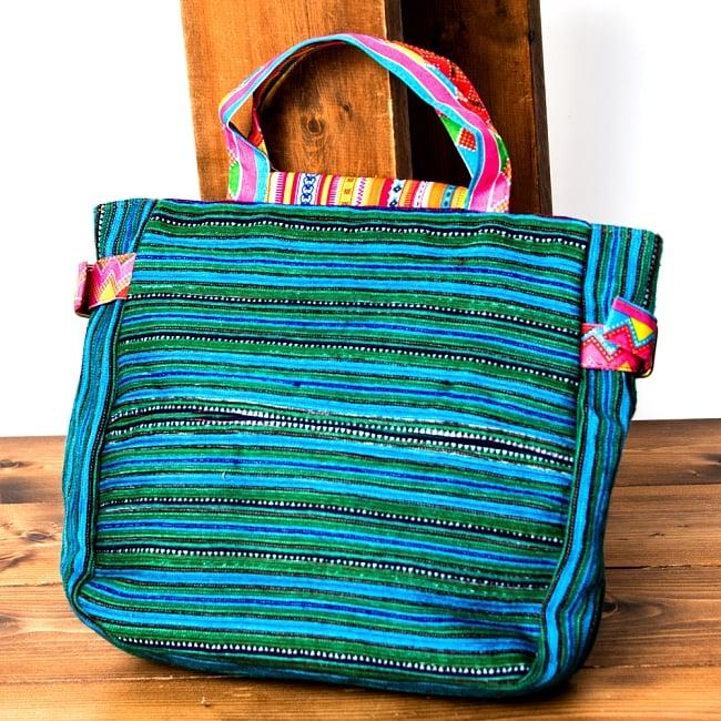 モン族刺繍のトートバッグ 2 - 裏面にもしっかり刺繍が施されています。