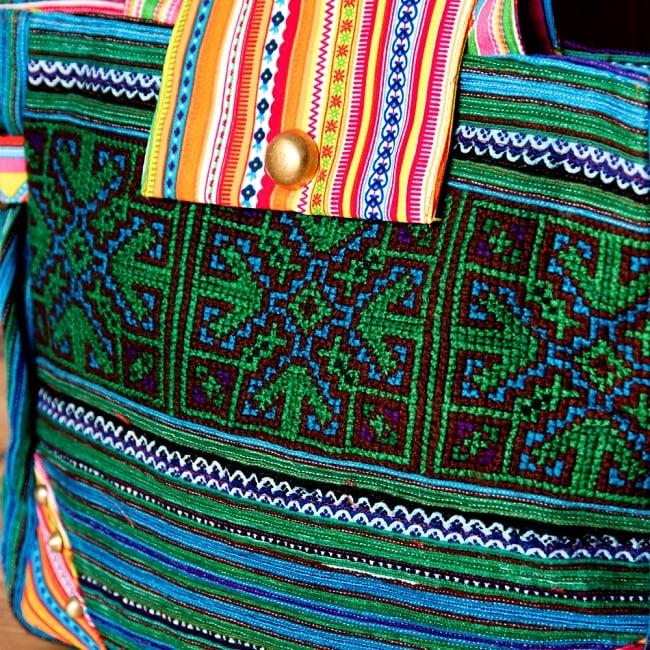 モン族刺繍のトートバッグ 3 - 細かい刺繍が丁寧に施されています。