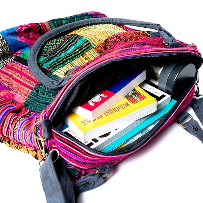 モン族刺繍の2WAYショルダーバッグ 10 - たくさん入ります!