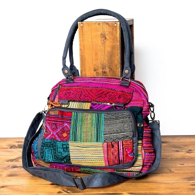 モン族刺繍の2WAYショルダーバッグ 13 - 選択Bのピンク系です。
