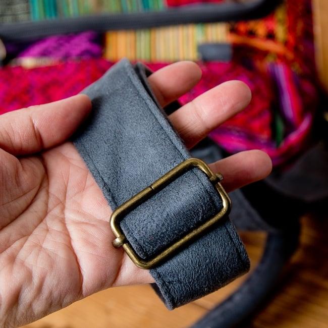 モン族刺繍の2WAYショルダーバッグ 8 - 長さの調節もできるので、お好みで調整してください!