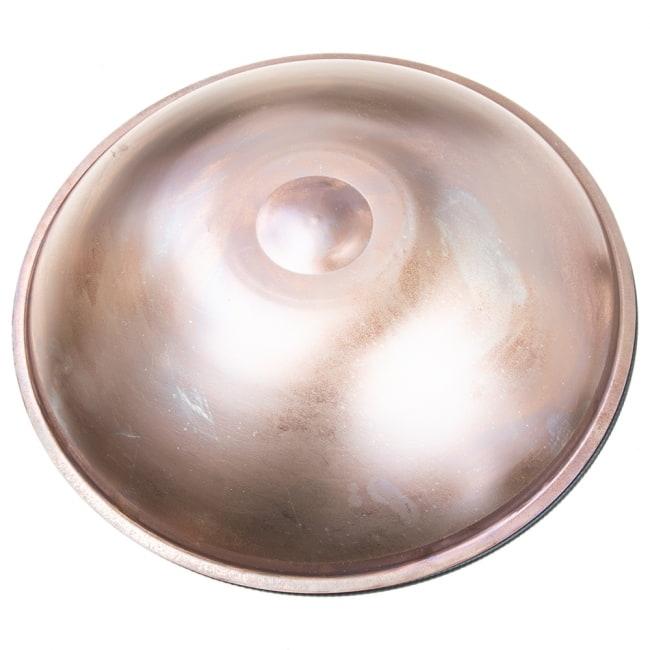 ハンドパン Arab Desert G【54cm - 9notes】 -ソフトケース付属 9 - 打面保護用のシェルがついてきます。ソフトケースに入れる際はシェルをかぶせてからケースに収納してください。