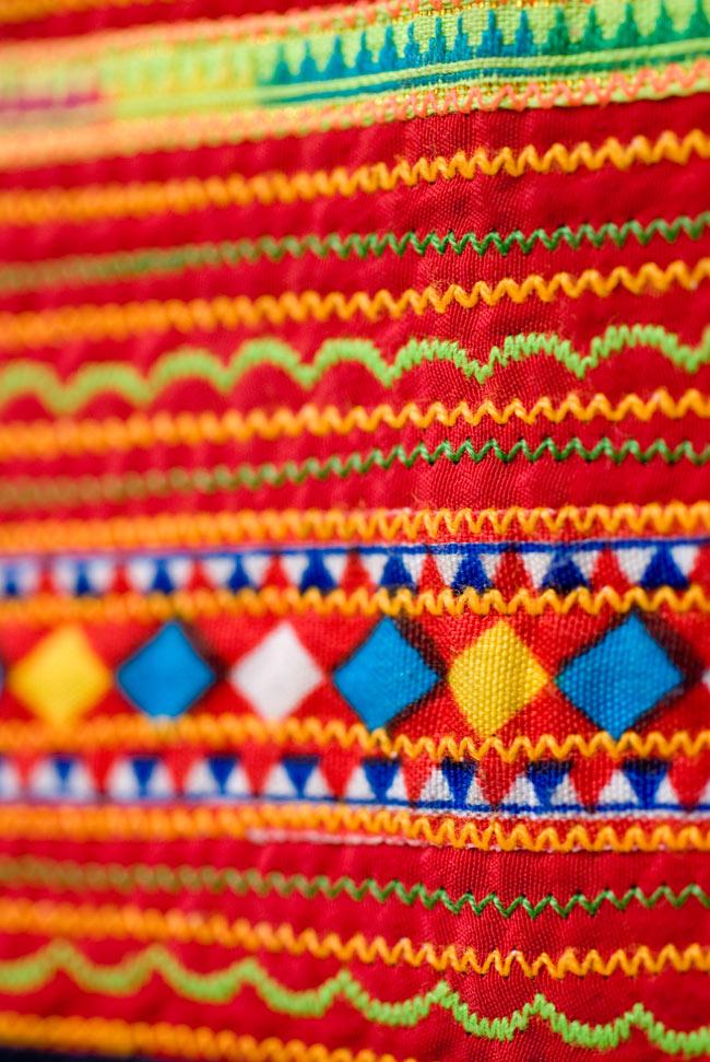 ベトナムのモン族刺繍レターホルダー 7 - 別の部分を見てみました。刺繍やコットンの柄は一点ずつ異なるため、アソートでのお届けとなります。