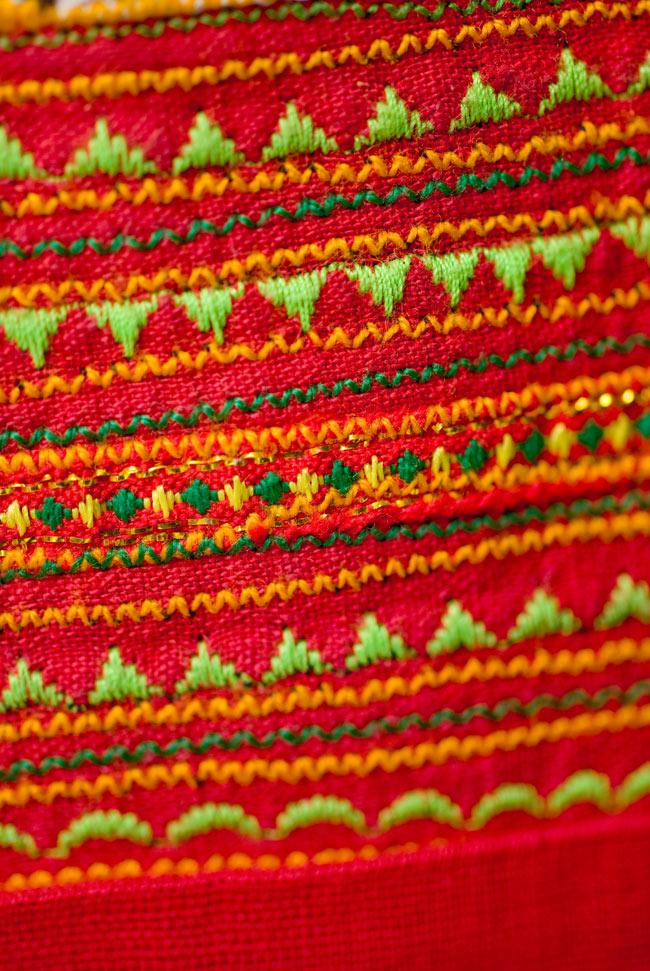 ベトナムのモン族刺繍レターホルダー 8 - 細かな手縫いが素敵です。