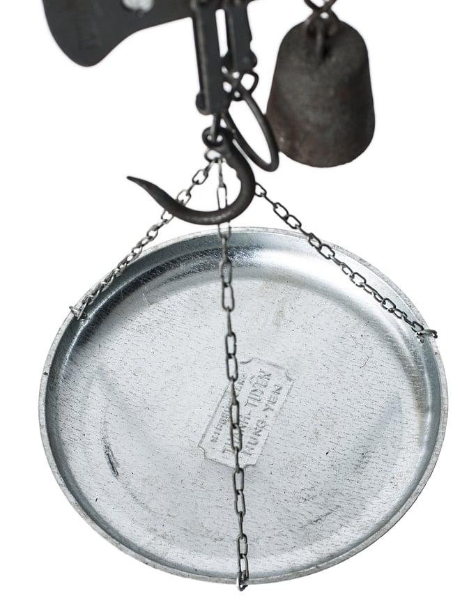 アンティーク風吊りはかり(大)  10kgまで計測 5 - こちらの皿の上に量りたいものを載せます。