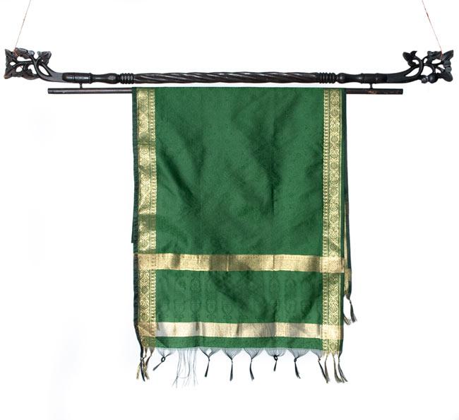 バリのエスニックハンガー - 100cmの写真7 - 一番大きなサイズのものに布をかけてみました