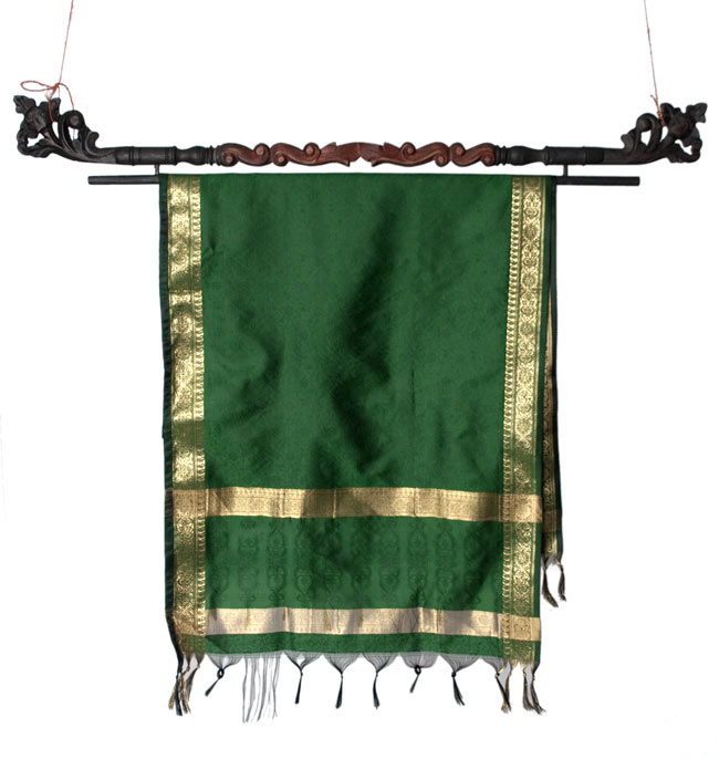 バリのエスニックハンガー - 80cmの写真7 - 一番大きな100cmサイズのハンガーに布をかけてみたところです